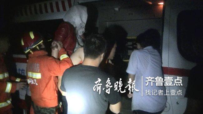 凌晨突降暴雨,潍坊一产妇被困车中!消防紧急救援
