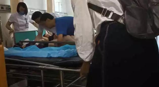 青岛一男子坠楼身亡砸晕过路小嫚 原因还在进一步调查