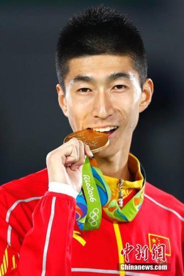 赵帅担纲中国代表团旗手 各届亚运中国旗手都有谁?
