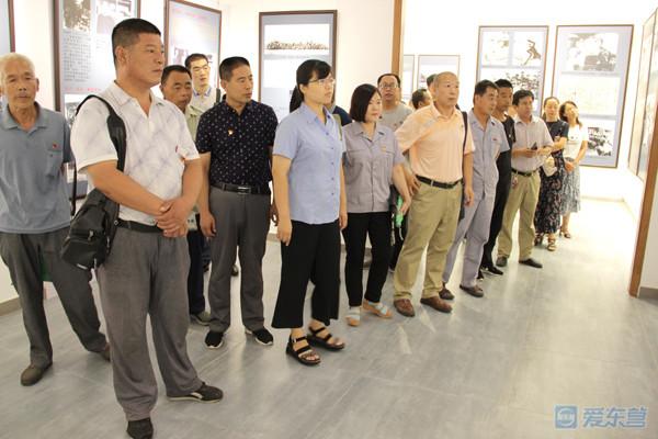 市旅发委组织联系企业和帮扶村开展党员学习教育活动