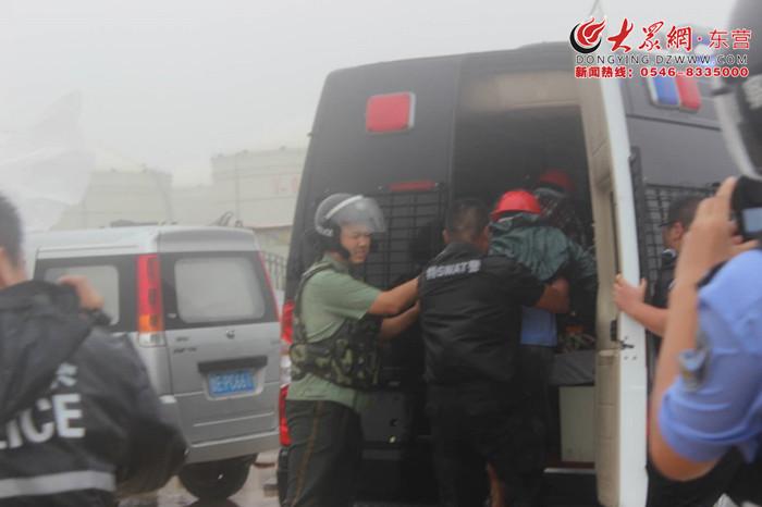 """台风""""摩羯""""来袭 东营港区公安机关积极备战守一方平安"""