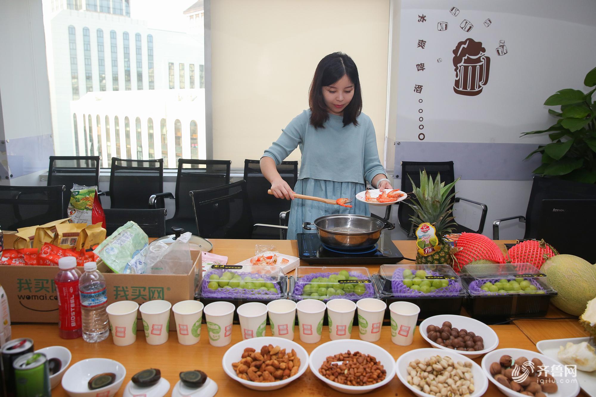 北京海归美女做试吃员月入5万 一天试吃上百种方便面