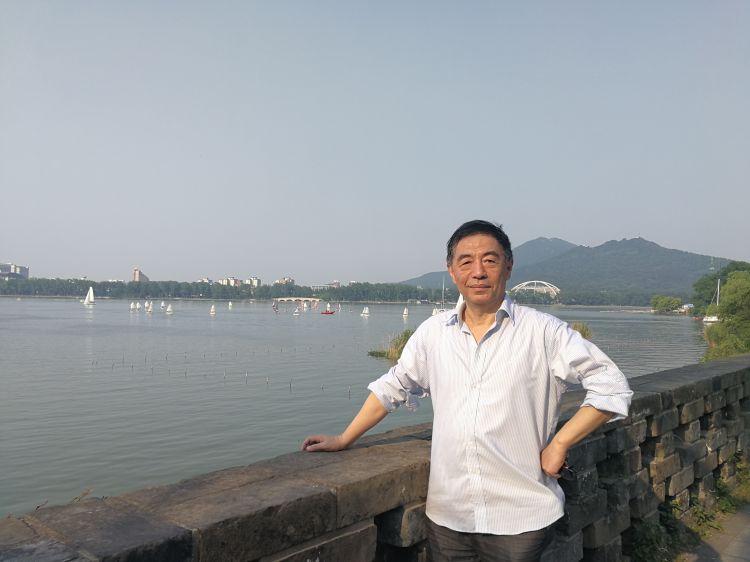 专访戏剧理论家陈鹏:文艺使命宏大,创作者别看小了