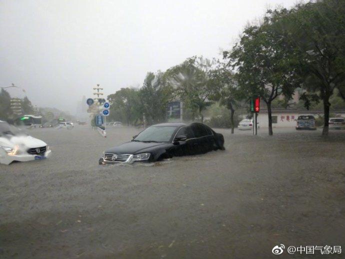 河南商丘全境都是特大暴雨,中央气象台官微都吓呆了