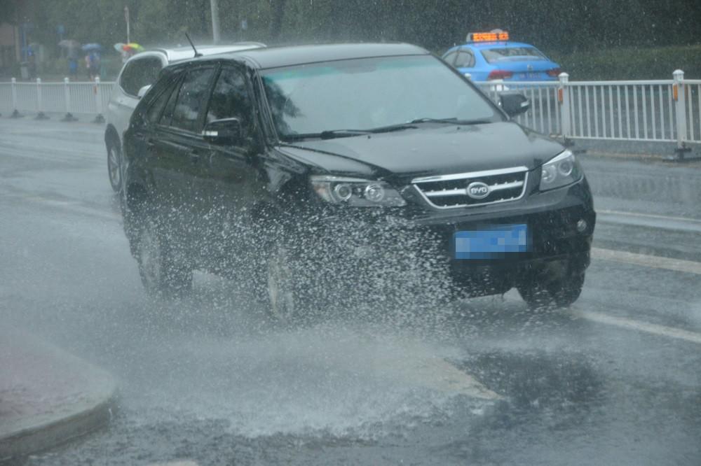 一场秋雨一场寒 威海这场降雨为市民送上了清凉