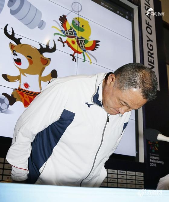 日本男篮嫖娼4人组开谢罪记者会 承认买春事实