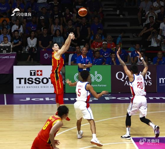 周琦25分12板小丁7分 中国男篮险胜菲律宾取开门红