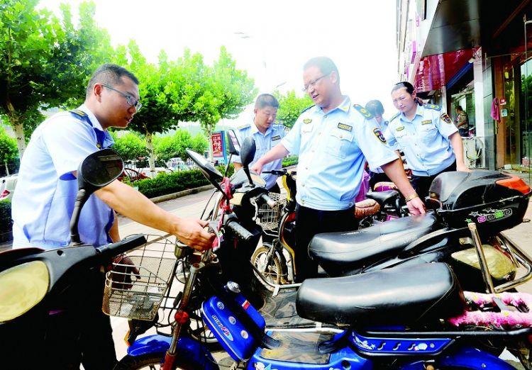 钢城区综合行政执法局规范停车秩序