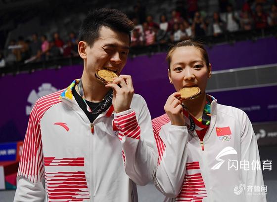两局横扫获胜 郑思维黄雅琼加冕亚运会混双冠军