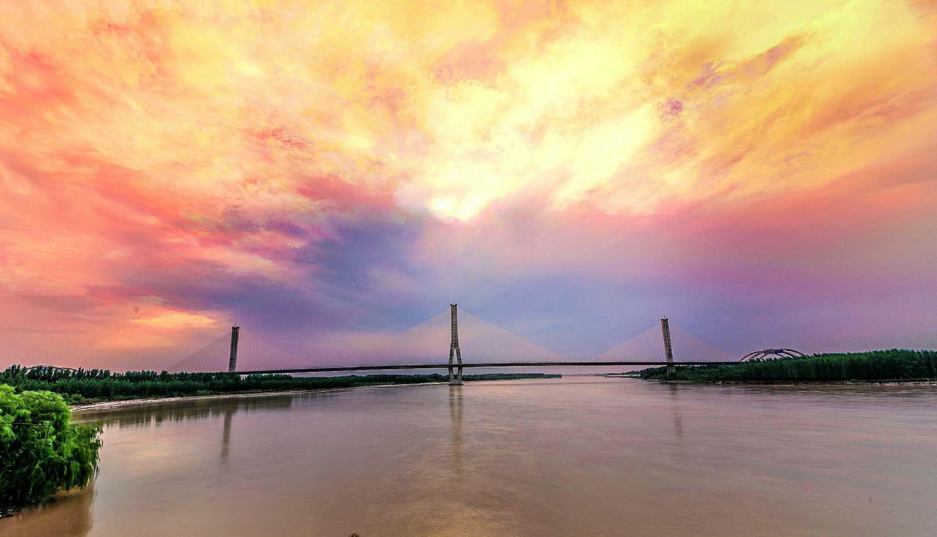 超广镜头下的济南7座跨河大桥 日暮晨昏间展现别样雄姿