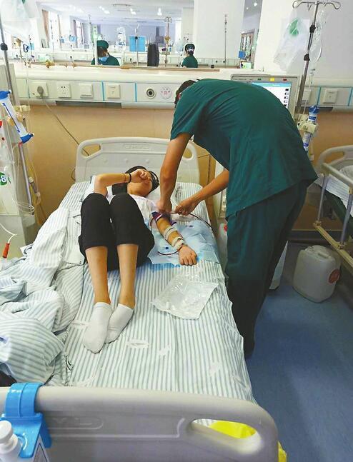 热心救火的章丘洒水车司机:女儿患肾衰竭已卧床半年