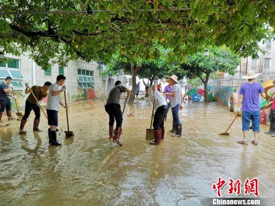 广东惠东白花镇重灾区洪水消退 快速恢复正常生活
