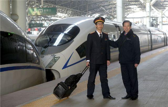 一家三代火车司机见证中国铁路40年之变