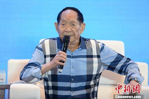袁隆平:愿助非洲推广种植杂交水稻