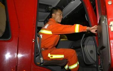 今天凌晨,数千名消防官兵悄悄撤离寿光!