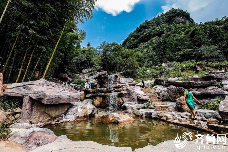 位于四屏镇青堰村的双胞胎泉。
