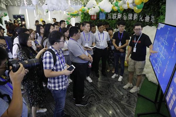 """韩都衣舍""""中国孵化新模式"""" 创造一个品牌从零到上亿美元的孵化奇迹"""