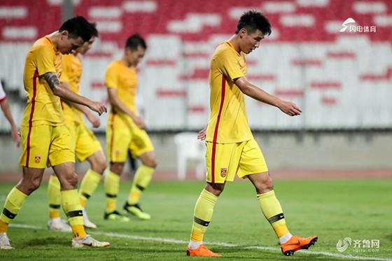 热身-武磊两中框屡造威胁张琳芃伤退 国足0-0巴林