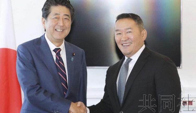 安倍与蒙古总统会谈,确认为解决朝鲜绑架日本人问题合作