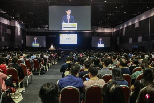 新加坡多数雇员和雇主认为掌握好华文在职场有优势