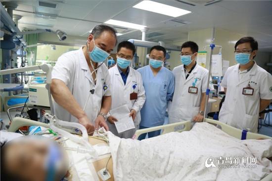 26岁小伙突发剧烈胸痛 医生通宵11小时手术救回一命