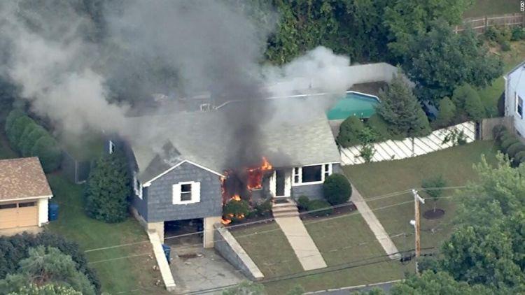 美国马萨诸塞州突发70多起起火爆炸 疑因天然气泄漏