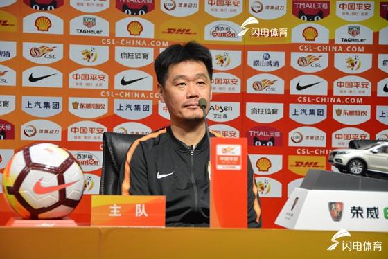 李霄鹏直言球队将有新调整 透露王大雷康复期一个月
