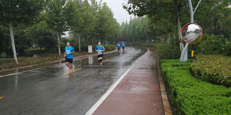 2018济宁太白湖马拉松比赛开跑