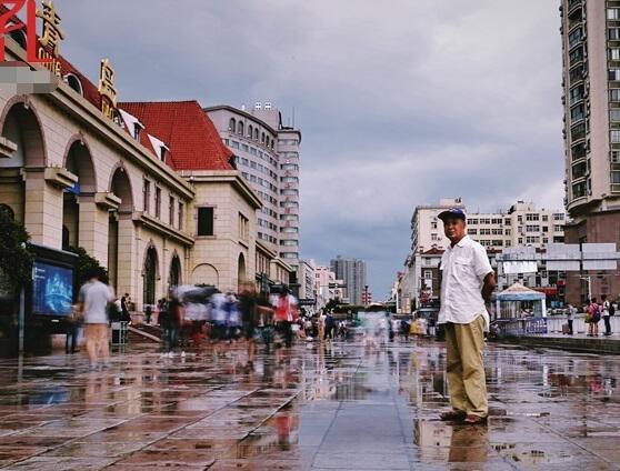 青岛裸捐老人周宝存:只要国家强大了,个人就能跟着幸福