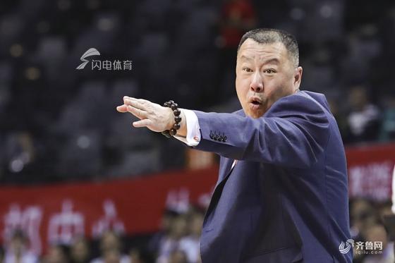 山东男篮负责人:换帅是综合考虑 未来更加重视年轻球员培养