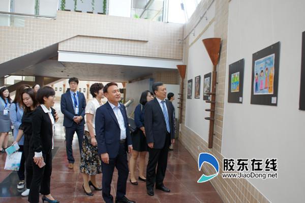烟台图书馆举办中韩青少年美术作品展
