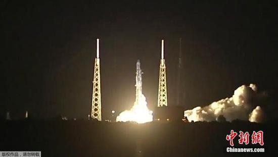 SpaceX公布绕月飞行乘客信息:一名日本富商