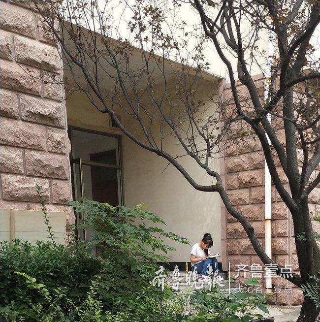 泰安:考试季图书馆内禁止背书 学生提议设朗读室