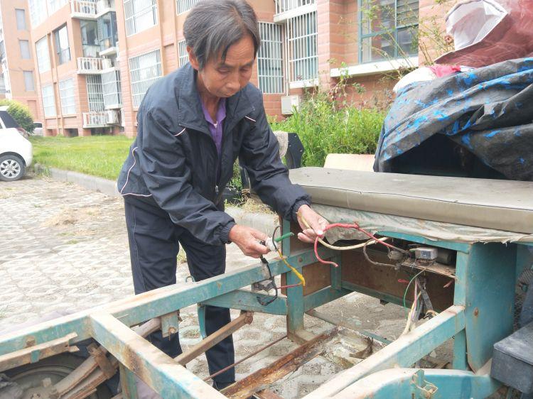东营一小区十几户居民电动车电池被偷,老人近崩溃