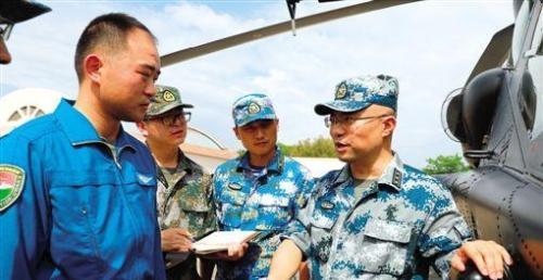 廖新华:从小军事迷到专业军王