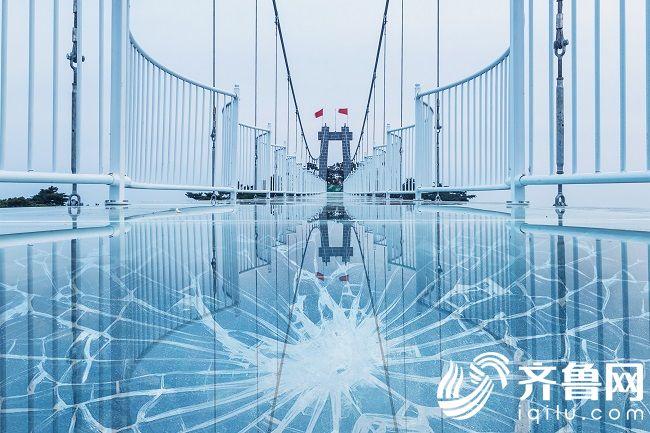 1.会碎的蒙山玻璃桥