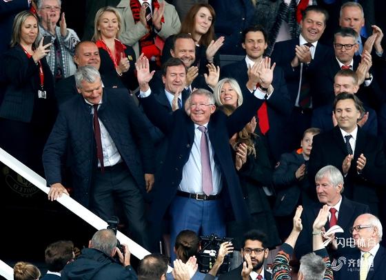英超-新援处子球 博格巴献助攻 曼联1-1平升班马