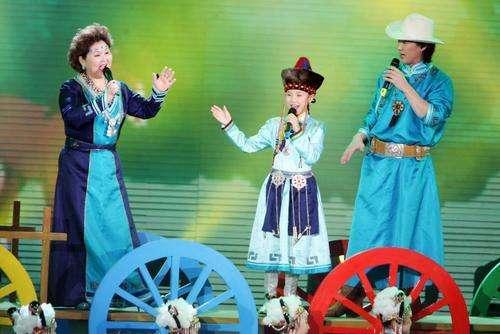 """蒙古族音乐人布仁巴雅尔去世 吉祥三宝再无""""阿爸问答"""""""