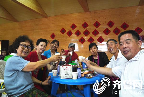 社区联欢会 (2)