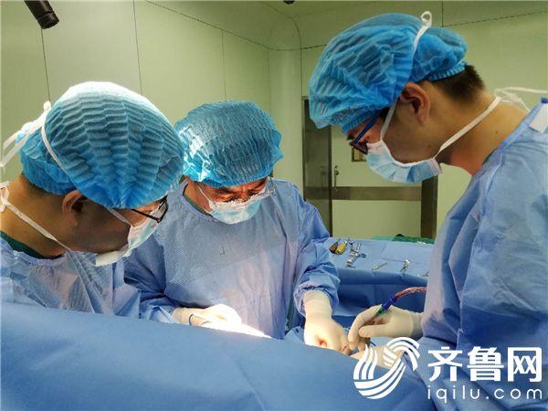 烟台业达医院人工关节置换术成功解决了膝盖疼痛的老毛病