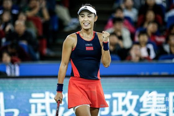 王蔷完胜再进超五赛八强 成武网史上中国第一人