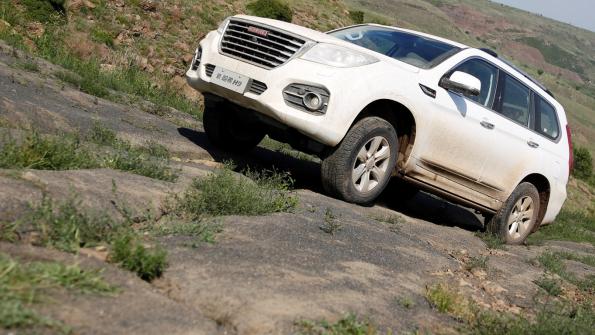 哈弗品牌是国内最早专注SUV领域的品牌,特别是哈弗H9堪称国内越野SUV领域的扛鼎之作:强劲的动力输出、专业的越野能力和丰富的科技配备,让其成为国内越野爱好者和玩家最超值的越野之选。