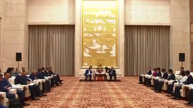 刘家义会见俄罗斯鞑靼斯坦共和国总统明尼哈诺夫