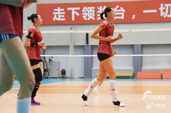 朱婷16分中国女排3-0古巴 轻松赢得世锦赛开门红