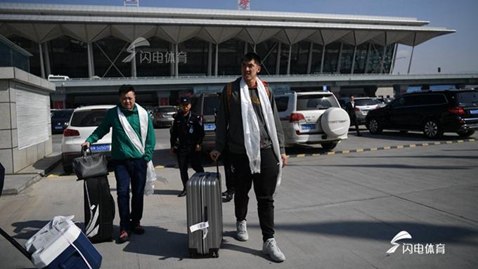 山东男篮抵达西宁 季前赛即将开打