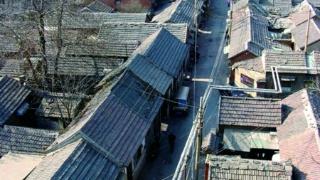 泉边|这条三折三弯的小巷,为何被称为济南解放第一街