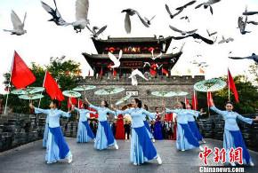 台儿庄上演非遗荟萃 各地游客长假享文化盛宴