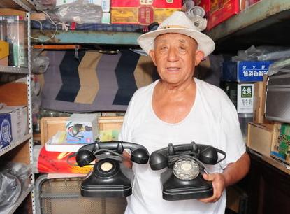 老物件讲故事|淄博8旬老人收藏百余部旧电话
