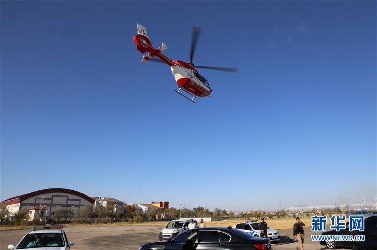 (国际)(2)中土双方采取措施全力救治车祸中受伤中国游客