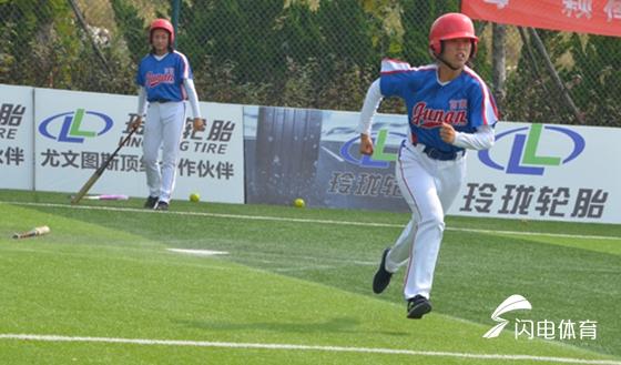 """山东省垒球冠军赛收官 费县一中队当上""""冠中冠"""""""